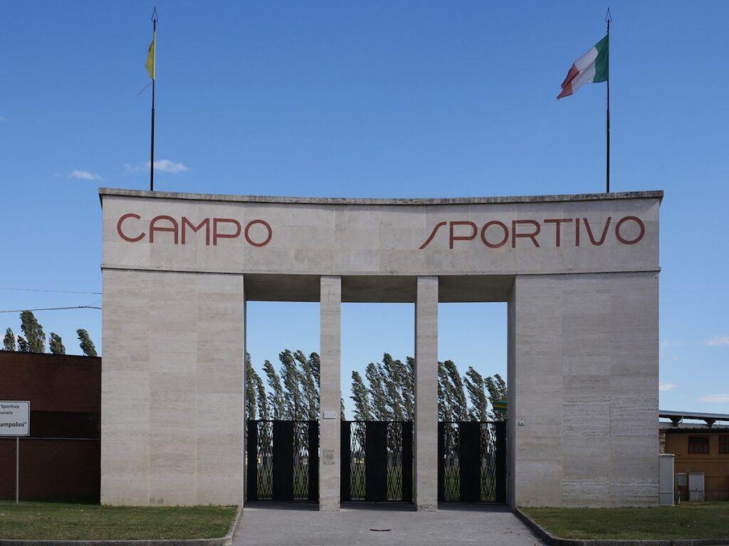 Campo sportivo, Tresigallo, Tresigallo, turismo culturale, Emilia Romagna, Italia, architettura razionalista, Edmondo Rossoni.