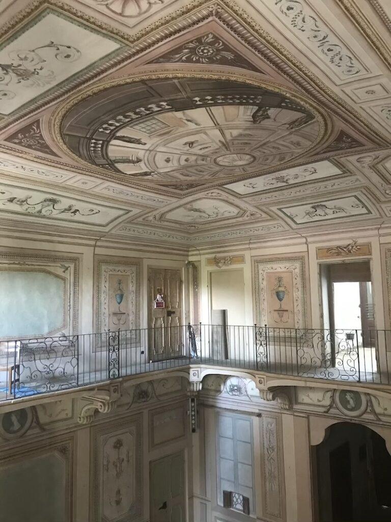 Interno del Palazzo Greppi a Santa Vittoria